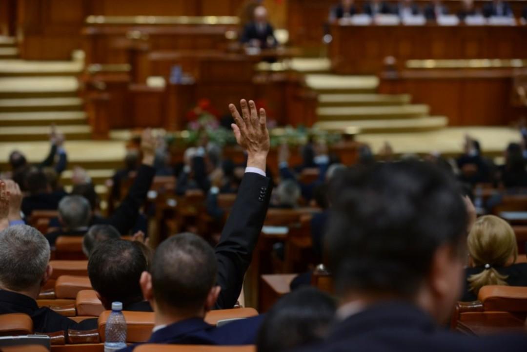 deputati-parlament-800x534
